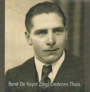 René De Vuyst zingt liederen thuis